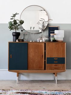 6 of the best interior DIY projects - Sideboard - Einrichtung Decor, Interior, Home Furniture, Mid Century Modern Furniture, Home Decor, House Interior, Retro Furniture, Retro Home, Interior Design