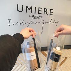 最近よくInstagramで見かける「UMIERE(ウミエール)」の文字。可愛らしいフォルムのボトルに入ったドリンクやモコモコのソフトクリームはインスタ映えが止まらないですよね。そして今、UMIEREは続々と新店舗が誕生しているんです!札幌から浅草へ。今話題のUMIEREの魅力に迫っていきます。