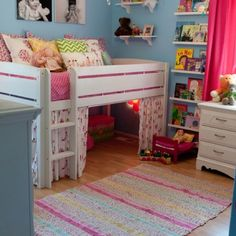 Cute toddler bed!
