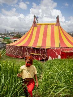 The spectacular tale of a stranded circus—and its great escape from Honduras National Geographic Photography, Guatemala City, Tegucigalpa, Honduras, Central America, Stunts, Small Towns, View Image, Dancer