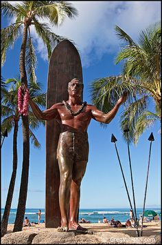Duke Kahanamoku statue at Kuhio Beach Park on Waikiki Beach; Honolulu, Oahu, Hawaii; photo by Greg Vaughn