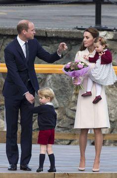 William, Kate, George et Charlotte disent au revoir au CanadaDerniers instants publics de la famille royale avant leur retour à Londres