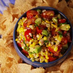 Just imagine this: Sitting poolside while snacking on fresh Grilled Corn Salsa and a bag of chips. Click through more easy grilled corn recipes. Easy Tomato Recipes, Corn Recipes, Avocado Recipes, Mexican Recipes, Turkey Recipes, Veggie Recipes, Chicken Recipes, Recipies, Vegetarian Grilling