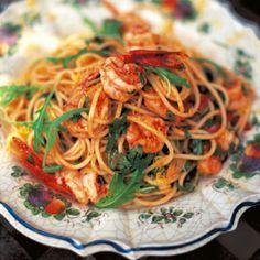 Jamie Olivers spaghetti med räkor och ruccola