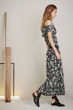 See the complete Iro Spring 2016 Ready-to-Wear collection.