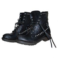 Les miennes ;-) boots cloutées ASH