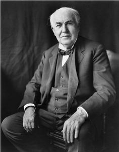 "Thomas Edison - Edison patented inventions in his lifetime, earning him the nickname ""The Wizard of Menlo Park."" The most famous of his inventions was an incandescent light bulb. Besides the light bulb, Edison developed the phonograph and the kineto Nikola Tesla, Ohio, Thomas Alva Edison, Edison Quotes, Einstein, Nova Jersey, Equador, Phonograph, Henry Ford"