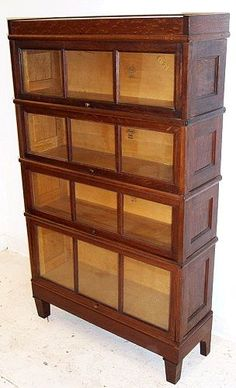 A very clean finish oak bookcase has arestored top that had a Mission Style Homes, Craftsman Style Homes, Craftsman Bungalows, Craftsman Houses, Maple Furniture, Shaker Furniture, Arts And Crafts House, Home Crafts, Furniture Styles
