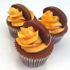 Orange Cupcakes, Chocolate Orange, Desserts, Food, Tailgate Desserts, Deserts, Essen, Postres, Meals