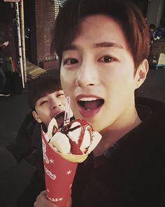 Looks yummy   { #Minwoo #SeoMinwoo #Leader #Hyukjin #JangHyukjin #Maknae #100Percent #Perfection #TOPMedia #Kpop } ©Instagram @100pergram