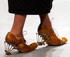 Weird shoe. Looks uncomfortable.