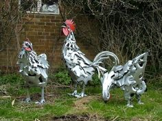 Scrap chickens sculptures