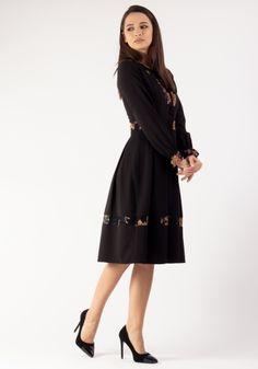 Colectie - Moze Fashion Smart Casual, High Neck Dress, Dresses For Work, Lady, Fashion, Turtleneck Dress, Moda, Fashion Styles, Fashion Illustrations