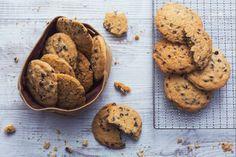 Ricetta Cookies - La Ricetta di GialloZafferano Cooking Cookies, Gourmet Cookies, No Bake Cookies, Cookie Bars, Chocolate Chip Cookies, Italian Recipes, Waffles, Food And Drink, Cooking Recipes