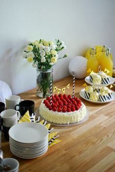 Festa Party, Party Time, Celebration, Table Settings, Birthday Parties, Cottage, Table Decorations, Yellow, Summer