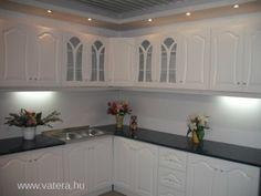 Hálószoba, étkező, konyha bútor, nappali és előszoba berendezés a Vaterán