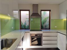 Looking for green glass splashback installation? Perth Splashback offers various shades of green splashbacks for your kitchen and bathroom. Glass Kitchen, New Kitchen, Kitchen Ideas, Coloured Glass Splashbacks, Colored Glass, Perth, Kitchen Design, Kitchen Cabinets, New Homes