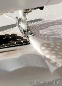 Villa ja Villa: DIY meikkipussi tai pussukka (versio 2) Diy Bags Purses, Villa, Sewing, Needlework, Sew, Villas, Stitching, Costura