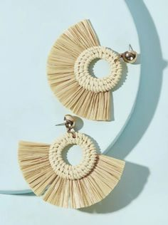 To find out about the Tassel Fan Shaped Drop Earring at SHEIN, part of our latest Earrings ready to shop online today! Cheap Earrings, Round Earrings, Unique Earrings, Jewellery Earrings, Jewelry Box, Oversized Hoop Earrings, Tassel Drop Earrings, Bee Necklace, Trendy Accessories