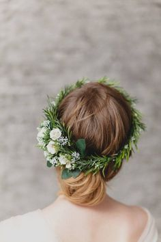 Wedding Flower Crown Bridal Hair Piece #Greenery Crown Bridal Headband White Flower Crown Greenery Hair Piece Floral Crown Rustic Wedding This elegant Wedding Flower Crown ... #haircomb #flowerhair #weddinghaircomb #bridalhairpiece #floralheadpiece #bridesmaidgift #bridesmaidhair #flowercomb #bridalhaircomb #weddingcomb