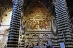 Duomo di Siena: prospetto della Libreria Piccolomini e l'Incoronazione di Pio III, opera del Pinturicchio - Foto di Martin Nilsson su Flickr - https://www.flickr.com/photos/martin_72/15440969494/ - #Siena #Toscana #DuomoDiSiena #LibreriaPiccolomini