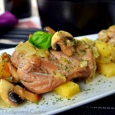 Spanish chicken recipe with mushrooms and potatoes! A yummy Tapas recipe from Spain - Spanish Food Recipes