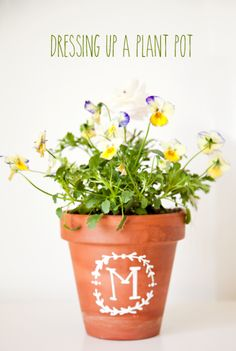 Dressing up a Planted Pot - so easy and perfect for Mother's Day or any gift! { lilluna.com }