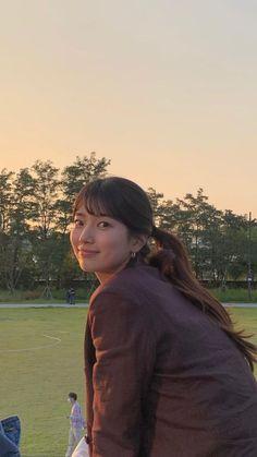 Korean Drama Movies, Korean Dramas, Nam Joohyuk, Joo Hyuk, Bae Suzy, K Beauty, Cool Posters, Korean Actresses, Aesthetic Girl
