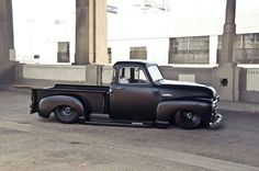 love these classic trucks, its a hobby of mine