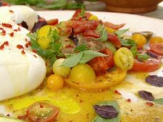 Jamie Oliver does tomato salad