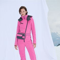A real eyecatcher! Have you already discovered the GWENMULTI skioverall? The tailored cut fits tight to the body and highlights the figure perfectly. The perfomance ski material also ensures comfortable movement. Overall, Winter Looks, Skiing, Sneaker, Tights, Fitness, Highlights, Outfits, Women's