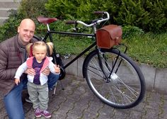Jens looks really happy with his Sport and his beautiful bimba saying ciao to all of us:)   Lovely picture, thank you Jens!  #Tuebingen   #Velorapida   #ebike   #bikeiscool   #ciao #bicielettrica   #cyclechic   #bicichic   #bicicletta