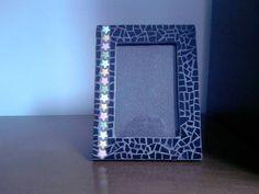 Porta-Retrato Feito em Mosaico com Azulejos para foto 10x15. R$ 38,00