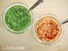 Pesto Duo – mal ganz anders mit Spinat und roter Paprika, roh und vegan! Ich liebe Pesto. Die Kombination aus Nüssen und Kräutern oder Gemüse schmeckt fein gehackt einfach lecker. Nudeln und Salate lassen sich damit wunderbar verfeinern. Perfekt und ganz einfach macht sich Pesto auf geröstetem oder frischen Brot.Die Idee kommt aus einem ganz tollen Buch der neuen Raw-Food-Küche.  Ungewöhnlich, aber echt köstlich!  #pesto #rot #gruen #paprika #spinat #rawfood #vegan #elbcuisine