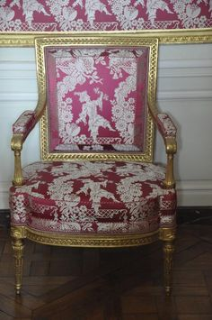 Style Français, French Style, French Furniture, Luxury Furniture, Cottage Chic, Cottage Style, Interior Garden, Interior Design, Home Sofa