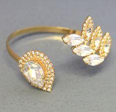 White Crystal Bridal Bracelet Swarovski Crystal Upper by iloniti