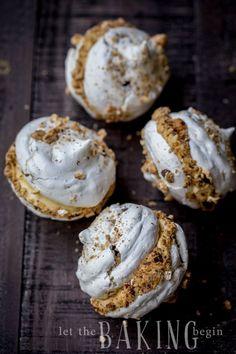 Hazelnut Meringue Bomb - Combination of Crunchy Hazelnut Meringue and Dulce De Leche Custard Buttercream creates an explosion of flavor, that is going to be a memorable dessert experience. Mini Desserts, Cookie Desserts, Just Desserts, Delicious Desserts, Donut Recipes, Baking Recipes, Cookie Recipes, Dessert Recipes, Pavlova