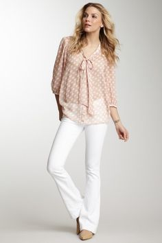 Neutral spring/summer outfit via James Jeans