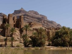 2 days and 1 night Marrakech desert tour with daily departures from Marrakech - Visit the Ait Ben Haddou, Zagora desert, Draa valley and Ouarzazate.