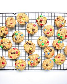 Mini Monster Cookies - With no butter/oil, refined sugar, or flour, these bite-sized Monster Cookies are the perfect healthier treat!   tastythin.com
