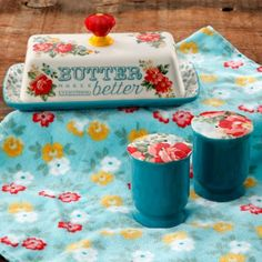 Free Shipping on orders over $35. Buy The Pioneer Woman Vintage Floral Salt and Pepper and Butter Dish Set at Walmart.com