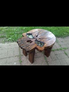 Skull Furniture, Funky Furniture, Unique Furniture, Pallet Furniture, Woodworking Projects Diy, Wood Projects, Skull Decor, Wood Creations, Wood Pallets