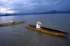 Fishermen, Lake Patzcuaro, Michoacan, 2002  ( Christopher Reynolds / Los Angeles Times )