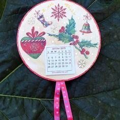 calendrier sur cd (serviettage) voir sur ma boutique : http://www.alittlemarket.com/boutique/creations_de_maryse-558049.html