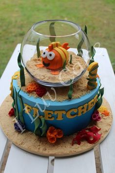 Bubble Guppie Cake ~ Someone..please order a Bubble guppie cake...I want to do this one!!!!