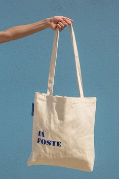 """""""Já Foste"""" is an expression used to illustrate the moment when, despite what is done, there is nothi Sacs Tote Bags, Diy Tote Bag, Canvas Tote Bags, Mochila Tutorial, Custom Tote Bags, Accesorios Casual, Waterproof Fabric, Cotton Bag, Cloth Bags"""