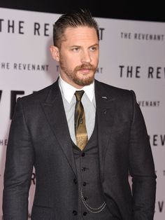 Tom Hardy Looked Like A Fancy 19th Century Oil Baron At 'The Revenant' Premiere - Dec. 16th 2015