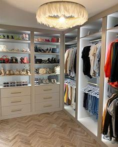 Walk In Closet Design, Bedroom Closet Design, Wardrobe Design, Closet Designs, Small Walk In Wardrobe, Modern Wardrobe, Glam Closet, Luxury Closet, Shoe Closet