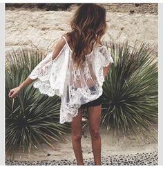 Beach lace. Summer boho casual look.