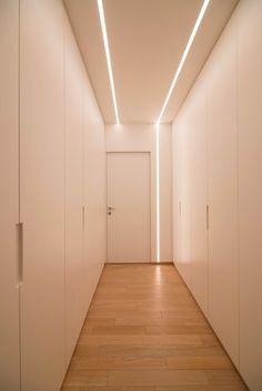 I collezionisti | Andrea Castrignano Architectural Lighting Design, Modern Lighting Design, Interior Lighting, Home Lighting, Modern Design, Linear Lighting, Home Room Design, Home Interior Design, Interior Decorating